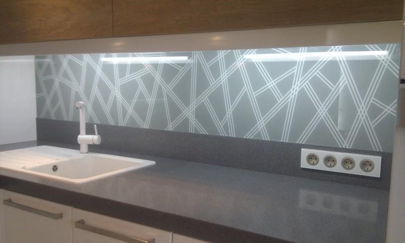 Из чего сделать фартук на кухне: обзор 10+ материалов с фото